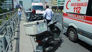 D-100 Karayolunda iki motosiklet çarpıştı; Sürücüler yaralandı