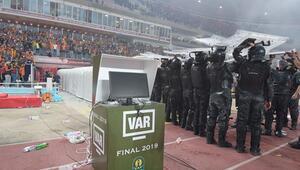 Final maçında VAR bozulunca olanlar oldu