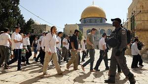 Son dakika... İsrail polisinden Yahudi yerleşimcilere tepki gösteren cemaate müdahale