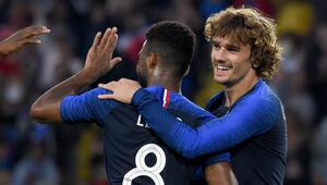 Fransa, Bolivyayı 2 golle geçti