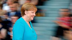 Almanya'da hükümet yıkılır mı