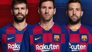 Barcelona yeni formalarını tanıttı
