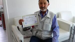 76 yaşında ehliyet aldı