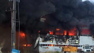 Son dakika: Kocaelide büyük fabrika yangını Patlama sesleri art arda geliyor