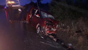 Taksi ile hafif ticari araç çarpıştı: 2 ölü, 5 yaralı