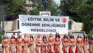 Yozgat'ta öğrenciler bilimsel projelerini sergiledi