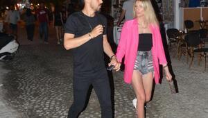 Milli futbolcu İrfan Kahveci kız arkadaşı ile Çeşmede
