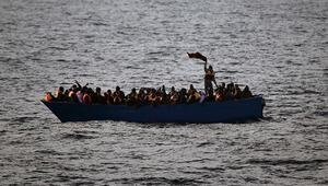 İtalya, Akdenizde kurtarılan göçmenleri almıyor
