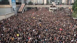 Hong Kongda gösteriler sürüyor