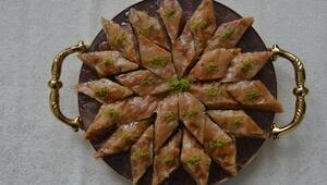 Safranboluda geleneksel lezzetler yarıştı, kazanan Miyana helvası oldu