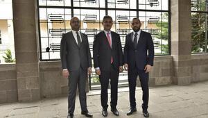 Milletimiz, Büyükşehir Belediyesi'nin görevlerini yapmasını bekliyor