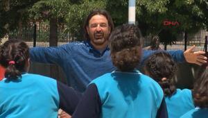 Öğretmenlerinin peşinden 1600 km gelen kız öğrencilerin öyküsü