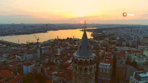Galata Kulesi'nde oluşan eşsiz manzara havadan görüntülendi