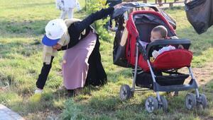 Bitlisli kadınlar, Van Gölü sahilinde çöp topladı