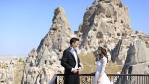 Çiftler düğün fotoğrafları için Kapadokyayı tercih ediyor