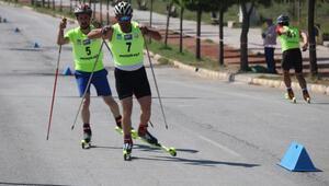 Tekerlekli Kayak YarışlarıTürkiye Şampiyonası, Tatvan'da başladı