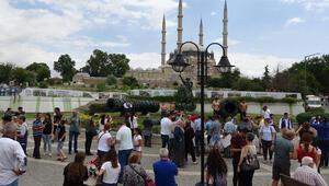 Edirnede otellerde yer kalmadı Turistler evlerde misafir edilecekler