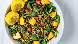 Semizotlu Şeftalili Mercimek Salatası