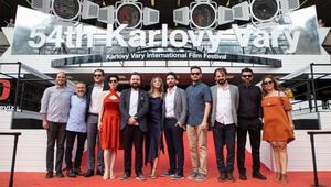 Lanthimos usulü Türk üst-orta sınıfı
