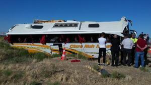Aksarayda yolcu otobüsü devrildi: 41 yaralı