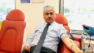 Vali Doğandan kan bağışı kampanyasına destek
