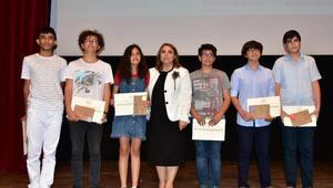 LGSde dereceye giren öğrencilere ödül