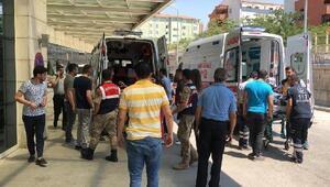 Pervaride, zırhlı aracın geçişi sırasında patlama: 2 asker yaralı