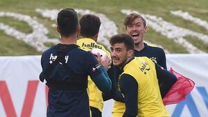 Fenerbahçe idmanında dikkat çeken görüntü Max Kruse...