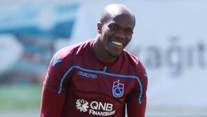 Trabzonspor, Nwakaemenin sözleşmesini uzattı