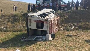 Gümüşhanede minibüs şarampole devrildi: 1 ölü, 18 yaralı