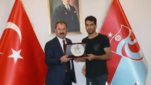 Trabzonspordan Vahid Amiriye veda plaketi