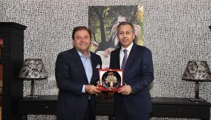 Vali Yerlikaya, Maltepe Belediye Başkanı Kılıç'ı ziyaret etti