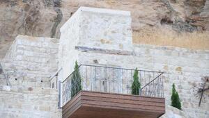 Kapadokyada doğal kayalığa yapılan asansör, kaldırıldı
