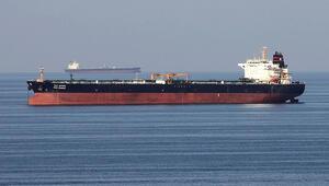 İran, Basra Körfezinde İngiltereye ait petrol tankerini durdurmaya çalıştı