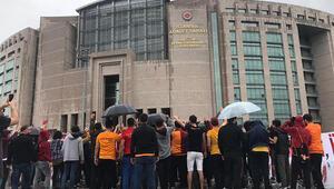 Son Dakika: Galatasarayda idari ibrasızlığa konulan tedbirin devamına karar verildi