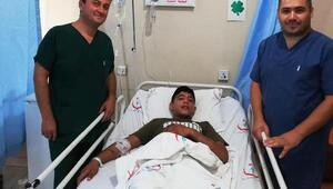 15 yaşındaki Hüseyinin karnı motorlu testereyle kesildi