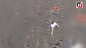 Haliçte köprüden atlayan kadını kurtarmak için arkasından böyle atladı