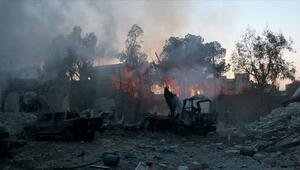 Rejim İdlib kent merkezini de vurdu: 8 kişi öldü