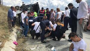 Kuzey Marmara Otoyolu'nda midibüs devrildi