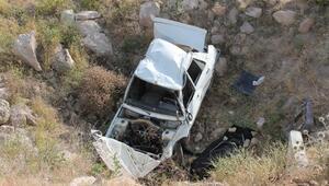 Aksarayda otomobil şarampole yuvarlandı: 1 ölü