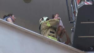 Son dakika... Esenyurtta yangın Mahsur kalanlar kurtarıldı