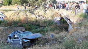 Bitliste otomobil şarampole yuvarlandı:1 ölü, 1 yaralı