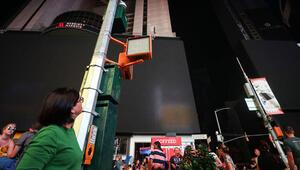 Manhattanda elektrik kesintisi hayatı felç etti