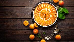 Yazın en güzel meyvesiyle nefis bir tatlıya ne dersiniz