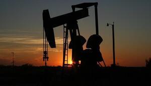 Petrol fiyatları Çinin GSYH büyümesinin yavaşlamasıyla düştü