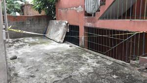 4üncü kattan çıplak halde düşen kadın kurtarılamadı