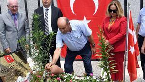 Cumhurbaşkanı Erdoğanın koruması, mezarı başında anıldı