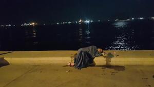Zeytinburnunda taksiden inen kadın koşarak denize atladı