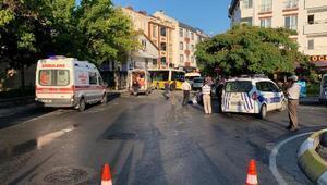 Sancaktepe de halk otobüsü servis minibüsüne çarpıp dükkana girdi: 1 ölü