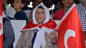 Kahramanmaraşta 106 yaşında demokrasi nöbetine katıldı